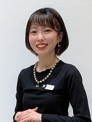 スタイリスト 川角 凪沙